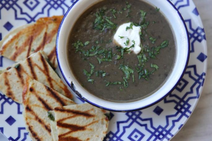 PetitTakett - Black Bean Soup